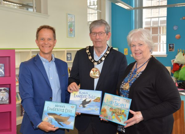 Rich Tribe from Revolution Events with the Mayor & Mayoress of Tunbridge Wells at TW Library (2)